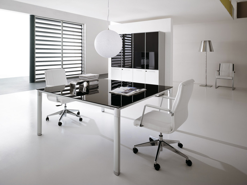 Gallery arredamento uffici - Scrivania cristallo ufficio ...